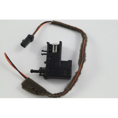 Wtyczka Lampki Schowka Ford Mondeo MK4 1S41-13B748-AD AA9.83077